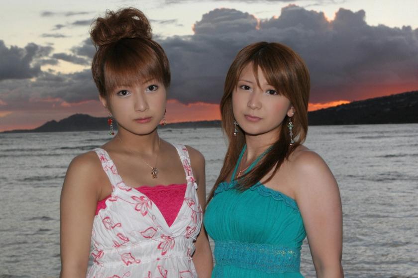 nozomi-tsuji-with-mari-yaguchi-for-hello-project