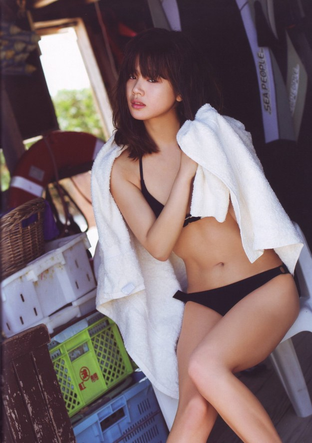 risa-niigaki-hot-bikini-asian-sexy-idol