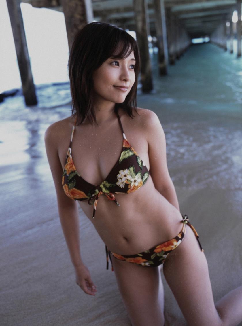 natsumi abe morning musume bikini pics