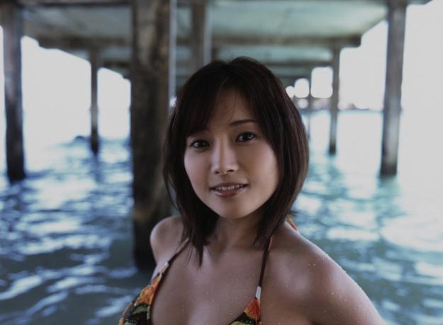 natsumi abe end of summer bikini pics