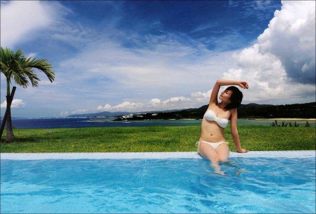 Abe Natsumi, Photobook-bikini sexy asian idol