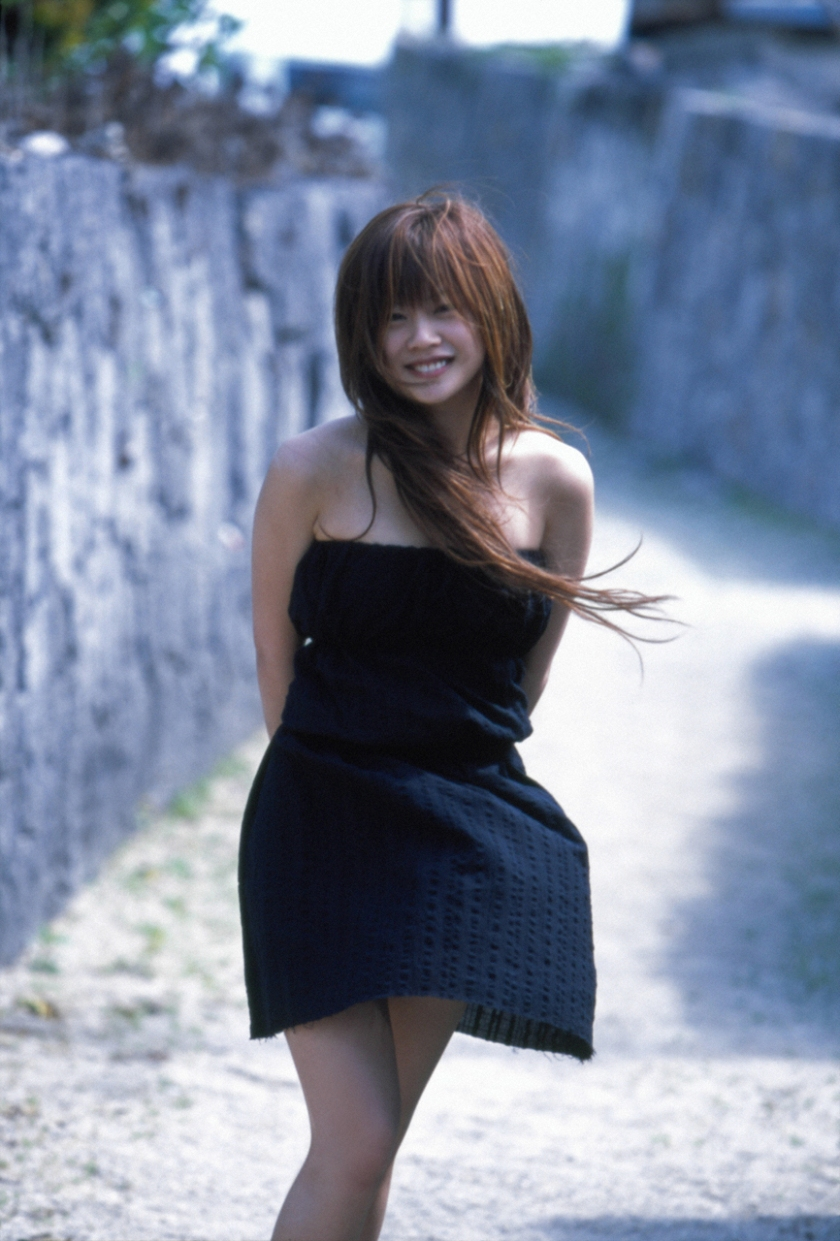 risa-niigaki-isshun photo book smile