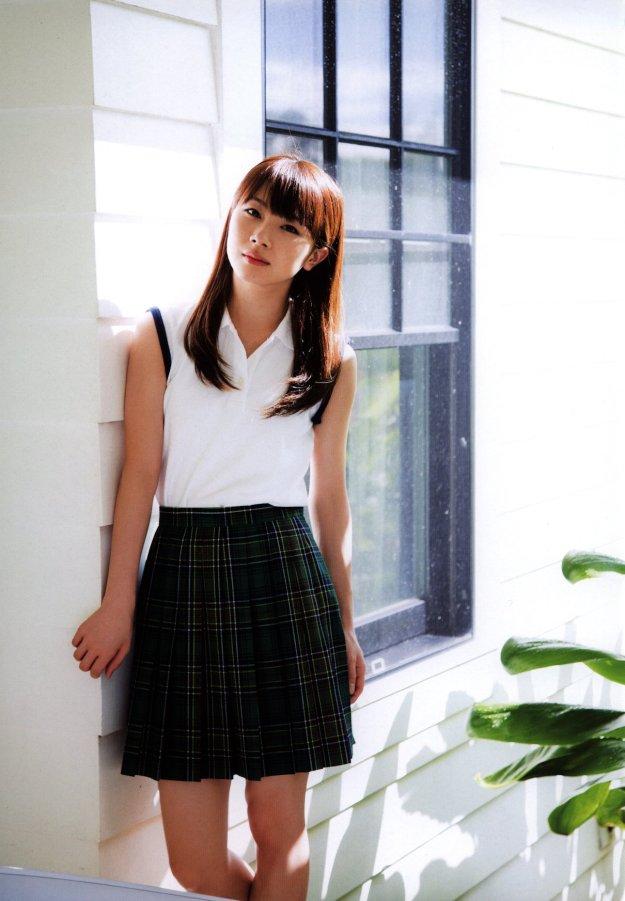 ishida-ayumi-school uniform